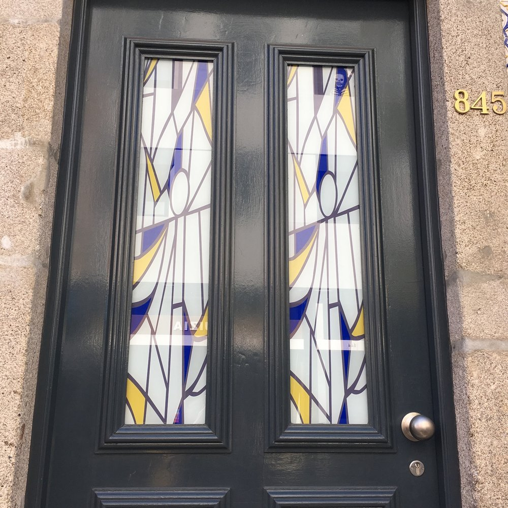 A MODERN TAKE ON A TRADITIONAL DOOR