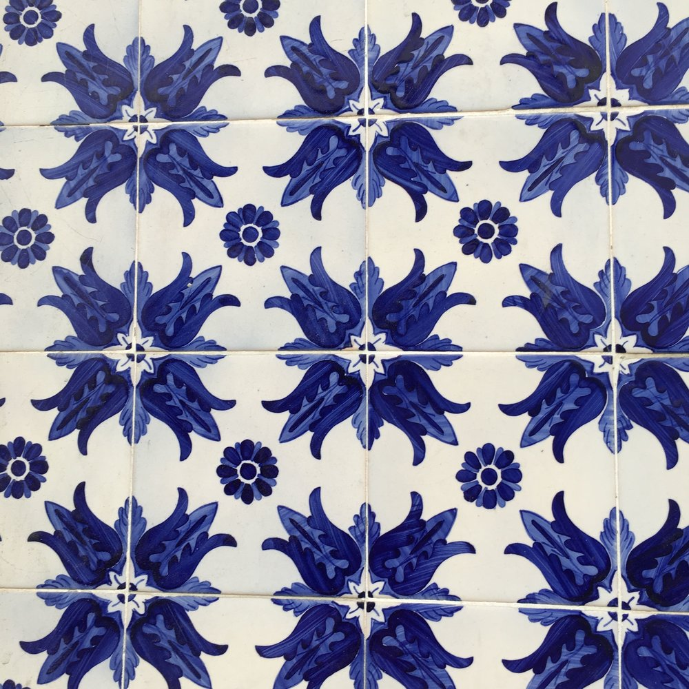 striking blue and white patterned tiles in Porto