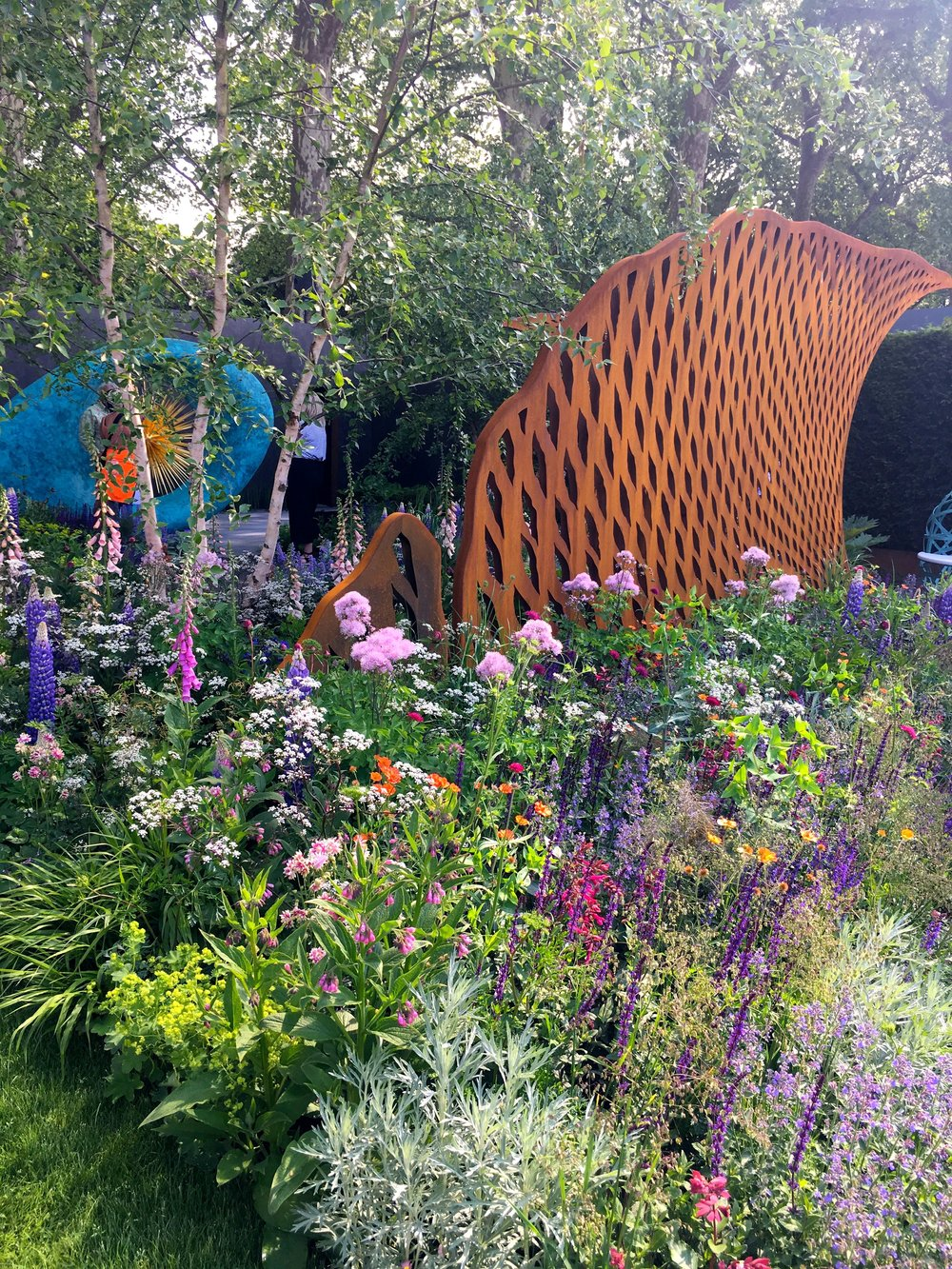 STEEL STRUCTURES IN THE BRONZE MEDAL DAVID HARBER & SAVILLS GARDEN