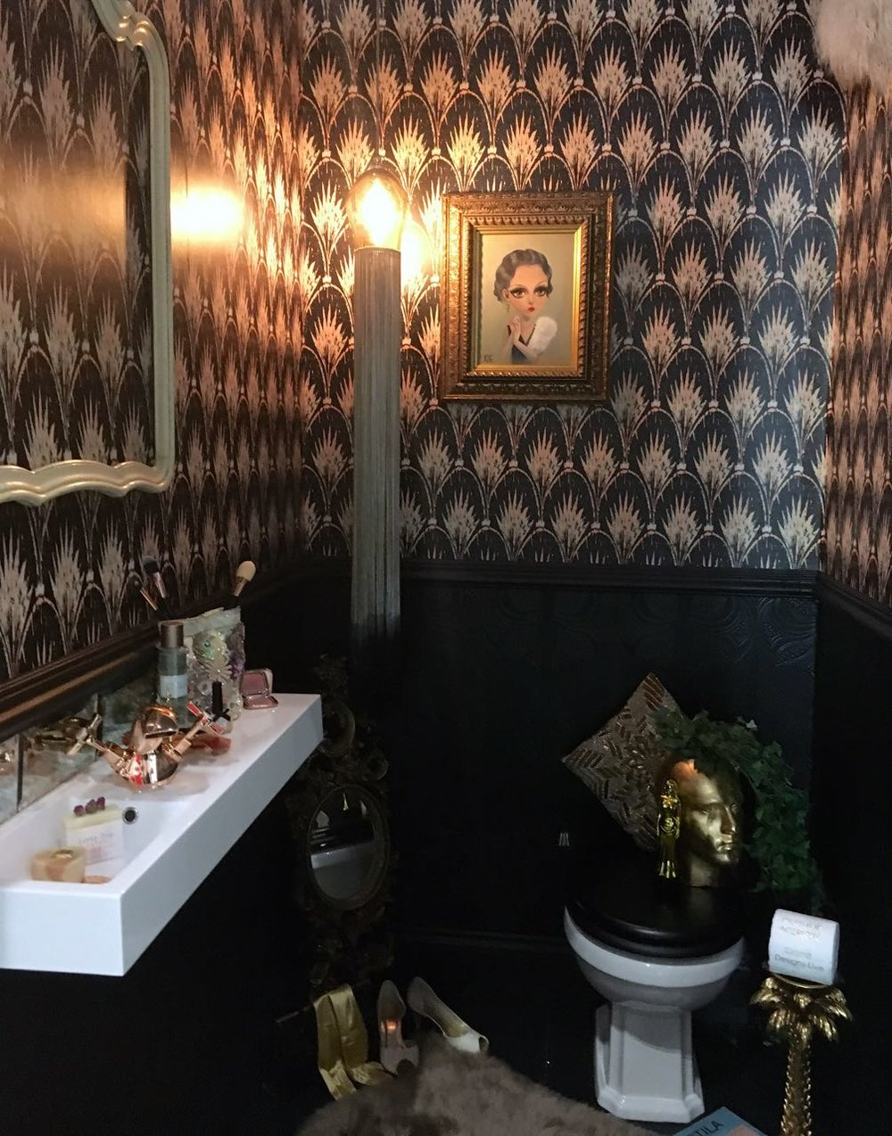 Fully of Hollywood glamour, the Outshine Lavatory Project