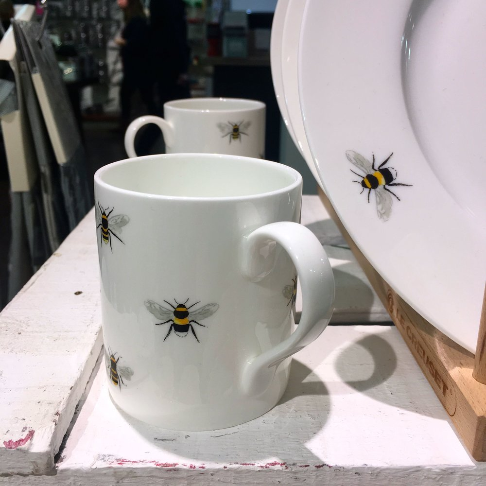 buzzy bee mugs and plates
