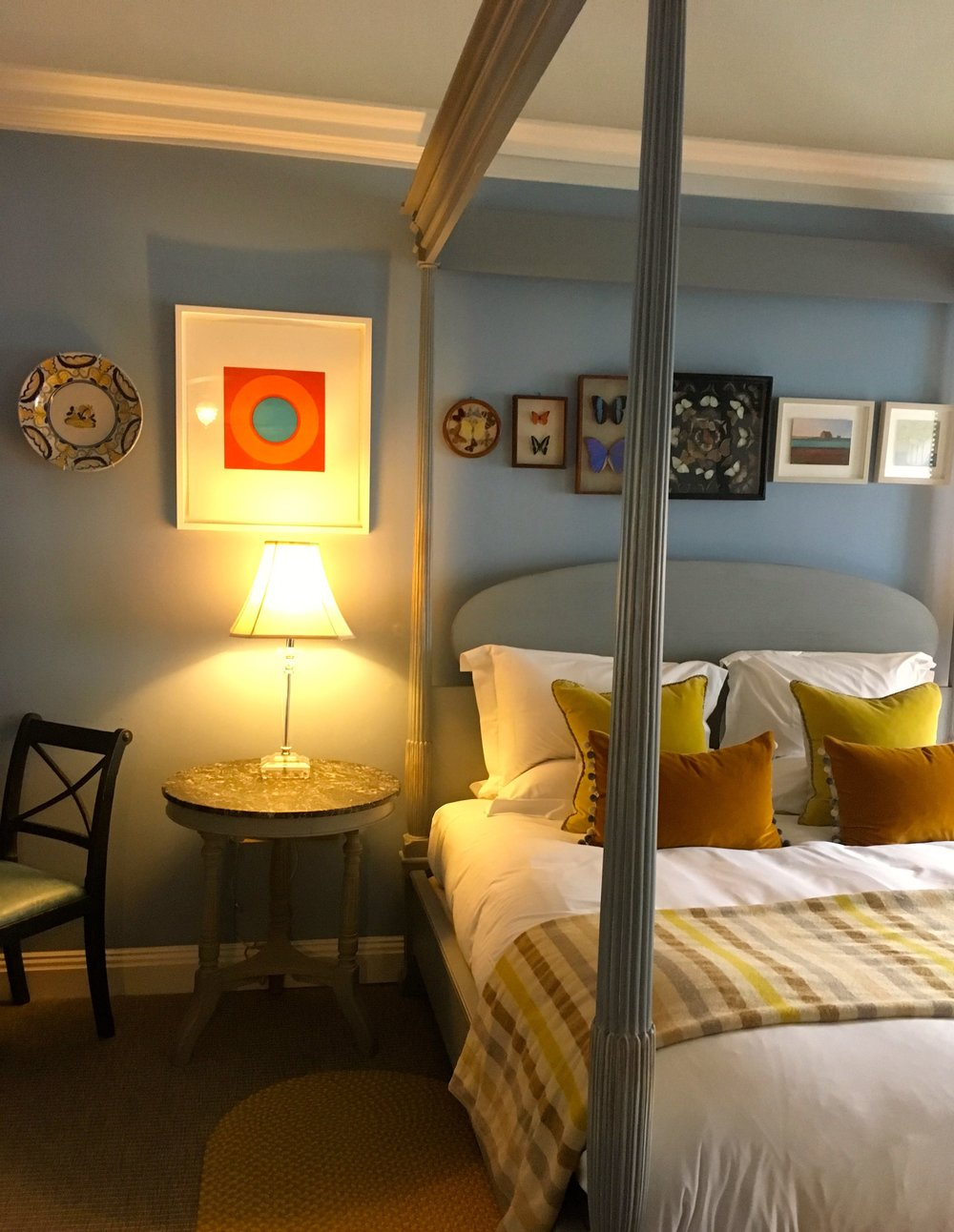 A four poster bed and homely decor