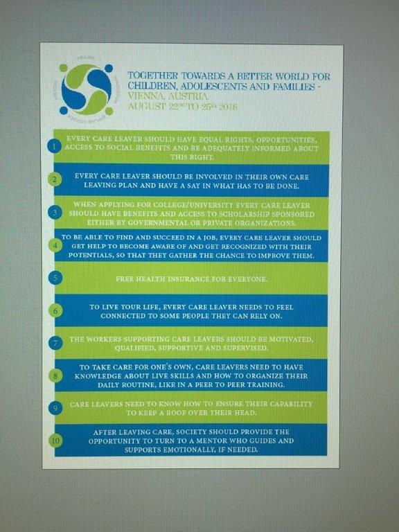Door de jongeren werden 10 internationale standaarden voor careleaving opgesteld. (via kinderperspectief)