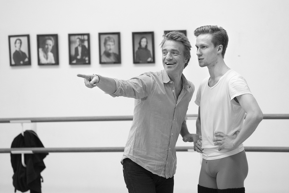 Nikolaj Hübbe and ballet dancer Jón Axel Fransson are never bored, even if it is a long day of training.