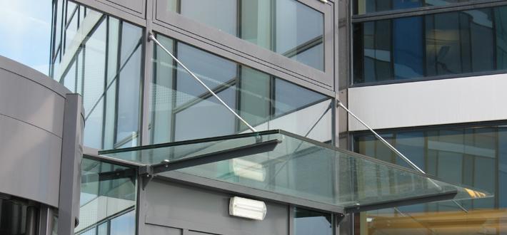 Helsfyr glassbaldakin 2.jpg