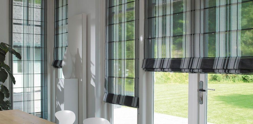roman-blinds-68071-4372473.jpg