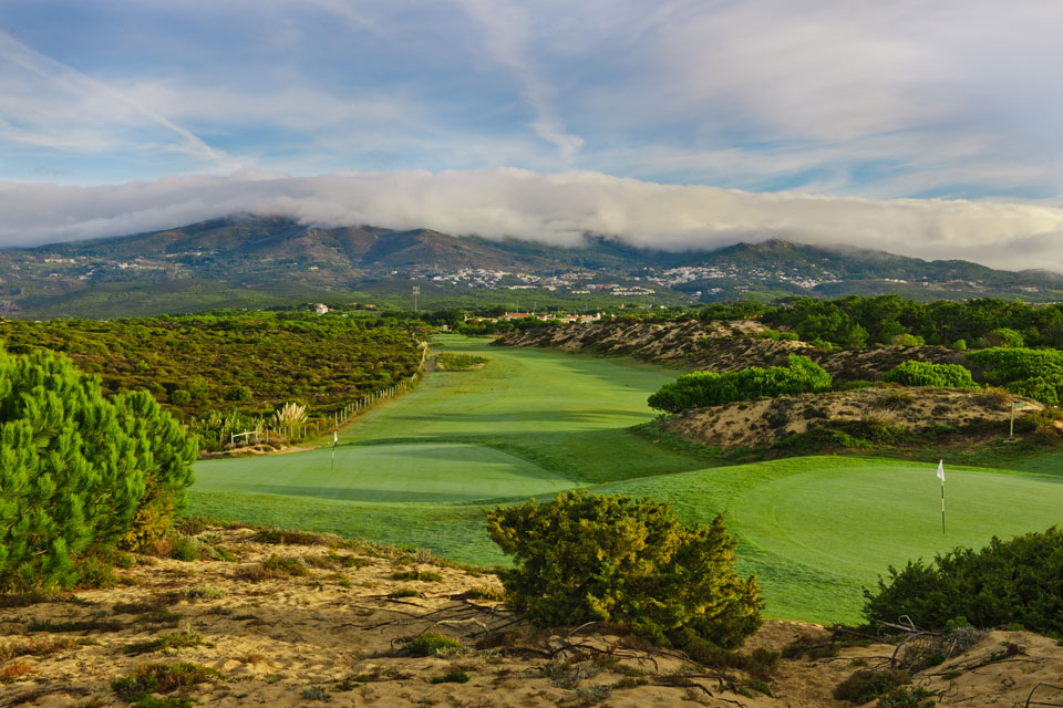 The 10th hole at Oitavos Dunes