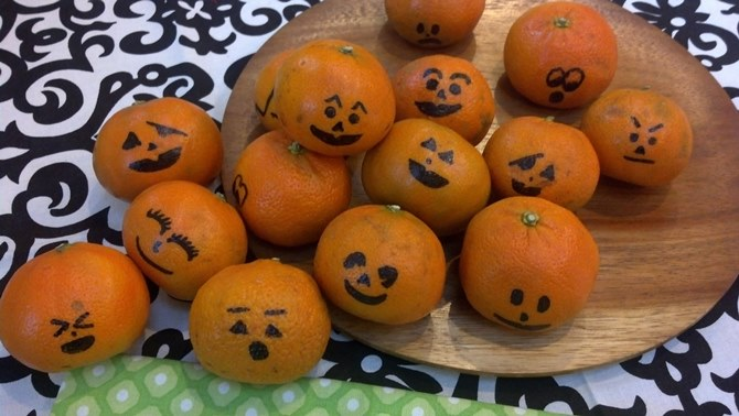 Halloween fruit snack clementines