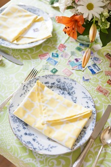 simple cotton dinner napkin fold