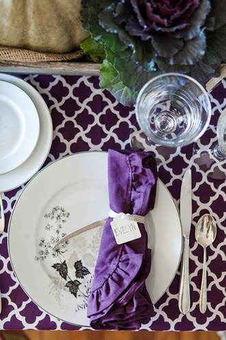 purple and white cotton dinner napkin