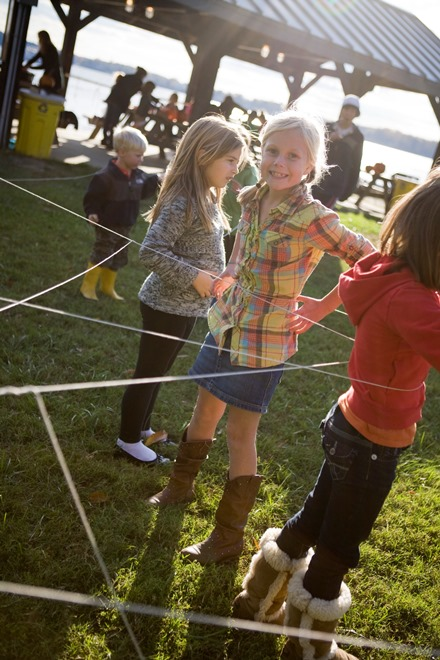 spider web game for halloween