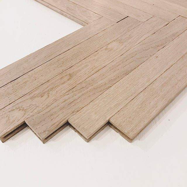 narrow #herringbone with raw edge  @moncerflooring #gotwood designfinishes #flooringperfection  #hardwoodfloors #luxuryinteriors #designdetails
