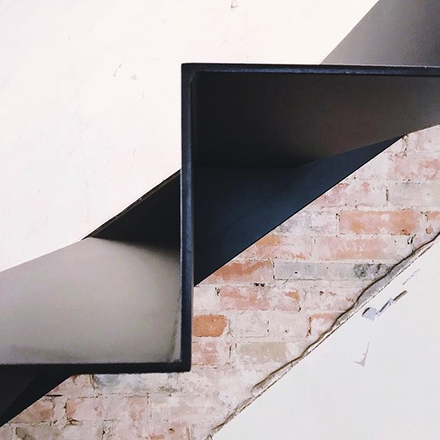 Detailed | Folded metal stair; conceptualized + realized #TheHarbordHouse #160BordenStreet @sauvagessesocial @agarealestate @geronimocmltd