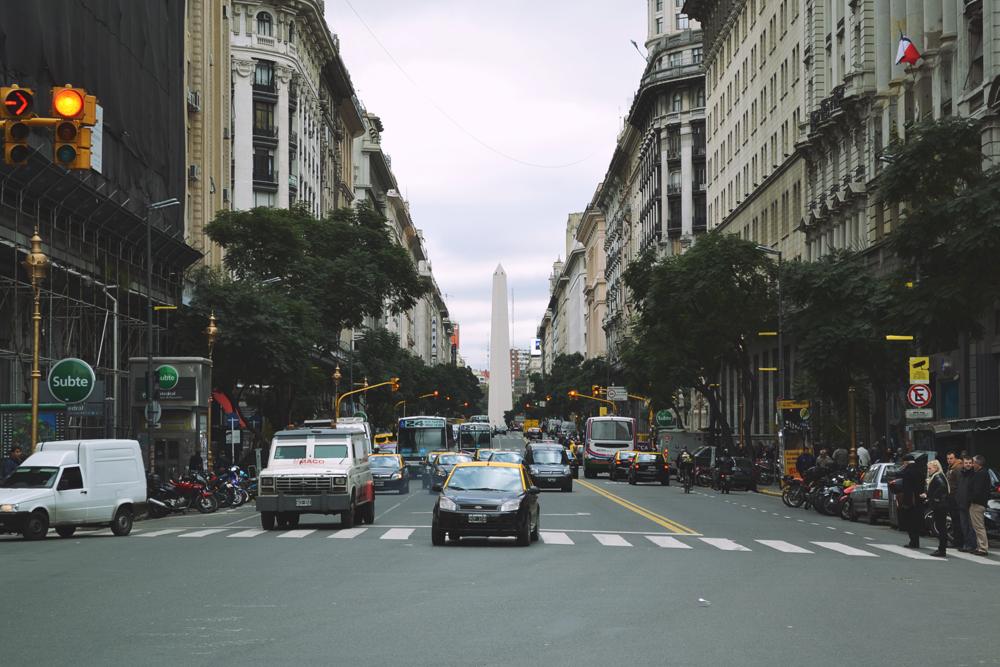 Avenida Roque Saenz Peña.