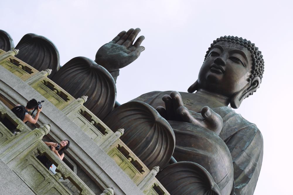 Enorme el Tian Tan Buddha.