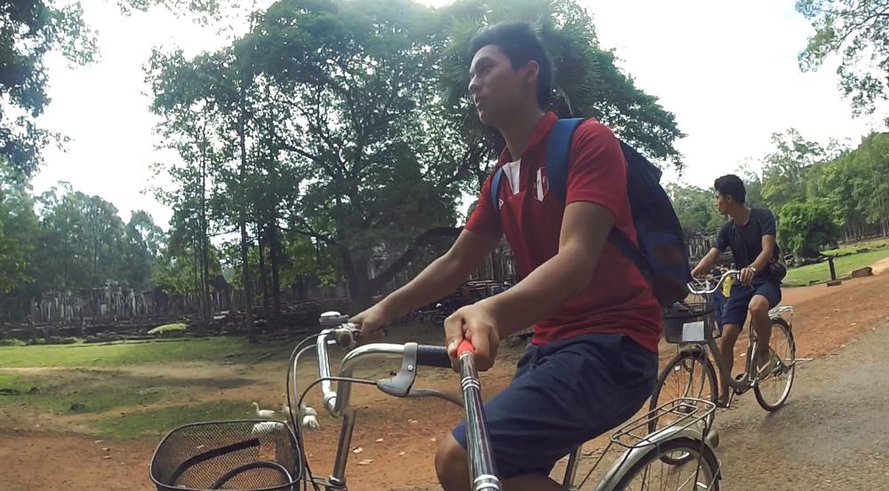 La bicicleta es el medio de transporte más económico y te permite ver con mayor libertad las ruinas.