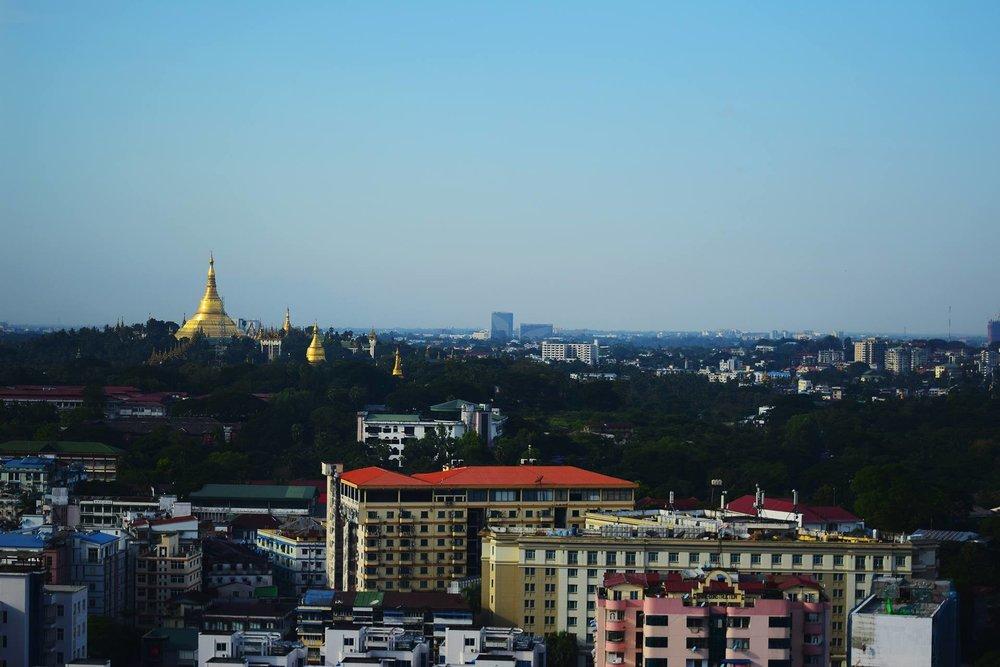 Vistas desde el Thiripyitsaya Sky Bistro.