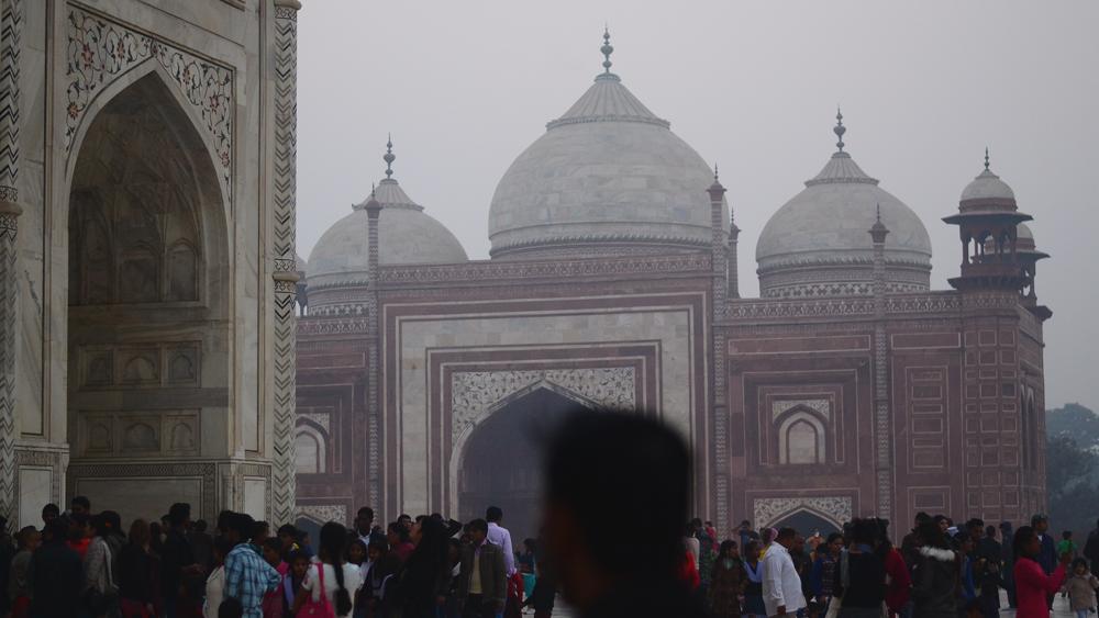 Templos adyacentes del Taj Mahal.