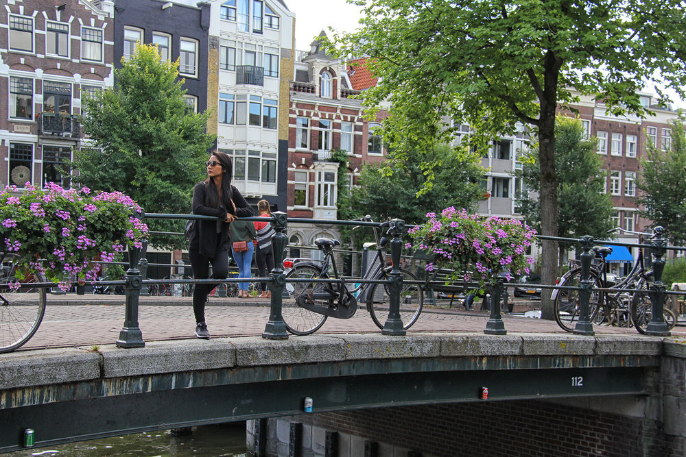 Puentes, flores, canales y bicicletas.