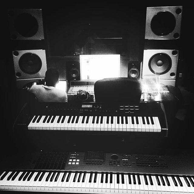 If you can't #find me its because #studiolife is about #love of the #music over #food and #cashmoney - #protools #logicpro #yamaha #apogee #maschinemasters #akai #musicproducer #studioflow #recordingstudio #mixing an #album #beatmaker #nativeinstruments #microphone #avalon #manley #akg