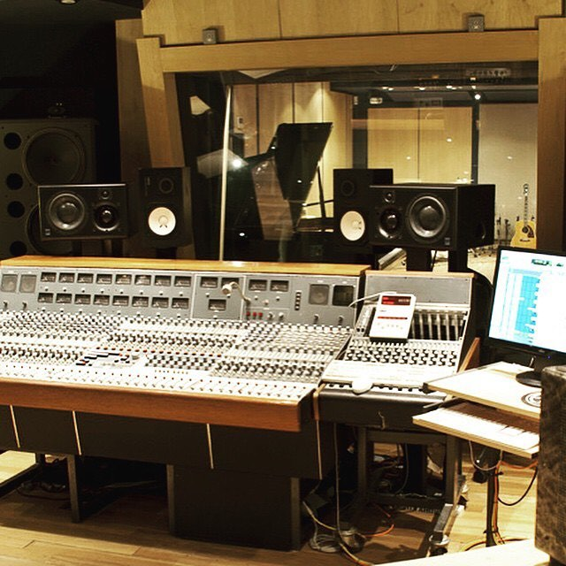 #foley - #music for the #movie in #losangeles we start on #composing the #soundtrack Monday. with the #director about his #script -  Where he would like #violin to #sing and the #brass to ring. #vocallist #orchestration with #strings  #thankGod #talent #studiolife #studioflow  #protools  #logicpro #nativeinstruments #maschinemasters