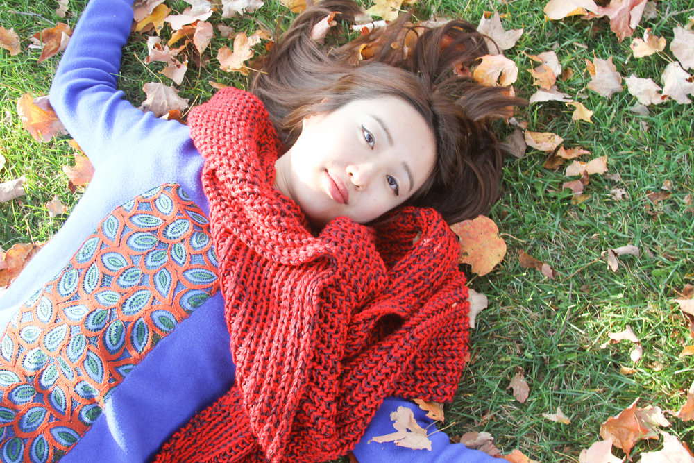 june lemon girl, junelemongirl, new york fashion blogger, fashion blogger, storn king art center, yellow leaves, red oversized scarf, blue dress, knit dress, embroidered dress, green grass, girl, street fashion, fairytale
