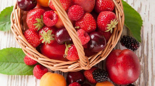 fruits-d-ete-fraise-cerise-abricot-nectarine-peche_5349441.jpg