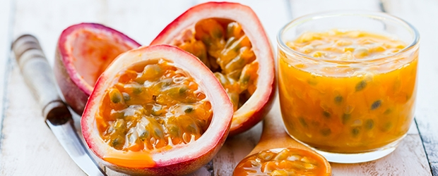 passion+fruit+on+table+with+juice_192070826.jpg
