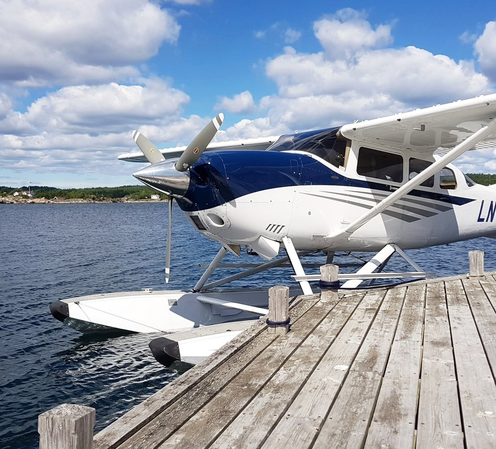 Seaplane's - -Wash-Claying-Rubbing-Autoglym Polish-hardwaxPrice:NOK 8000,- ex 25%VAT