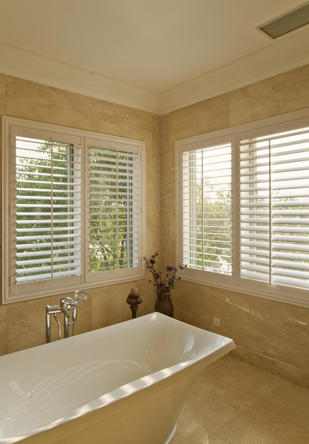 Elegant Shutters Broadleaf