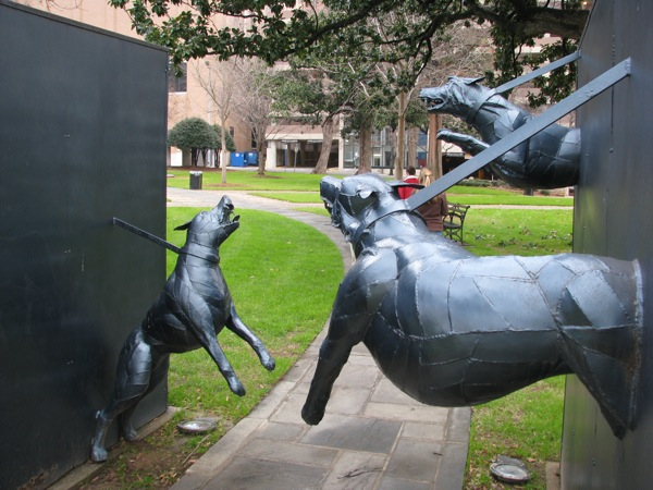 Statue of police attack dogs in Kelly Ingram Park