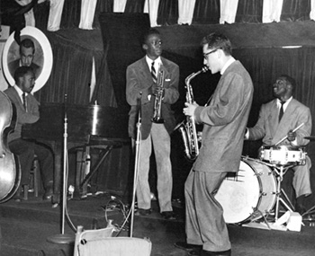 Lee Konitz and Miles Davis at Birdland.