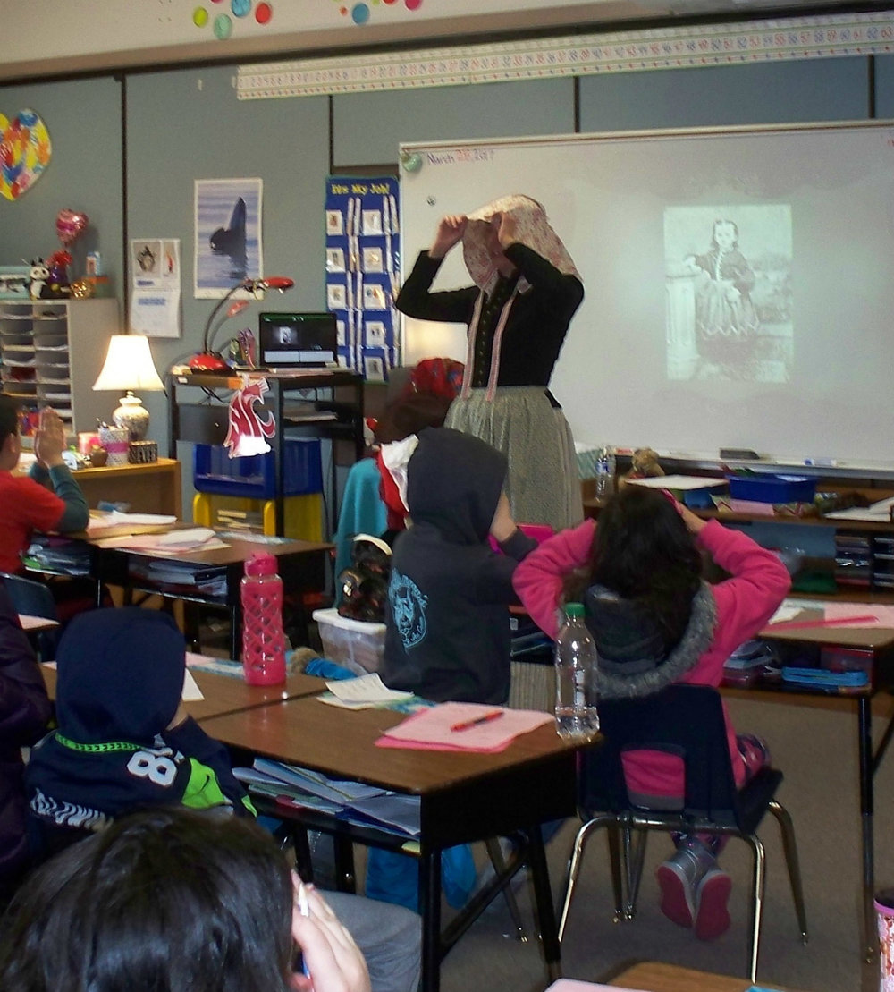 sunbonnet_teaching.jpg