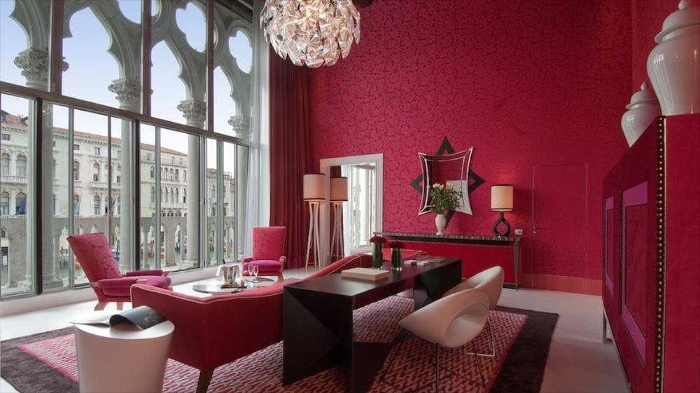 Venice Hotels 1200x675px 1.jpg