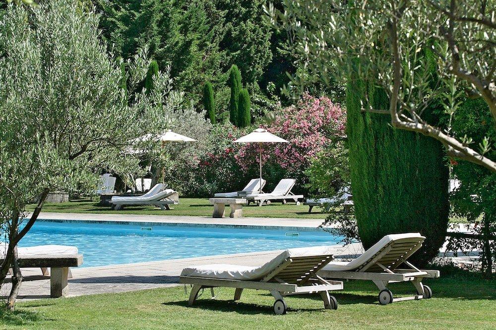 Domaine de Beaumaniere Provence 1200x800px 6.jpg