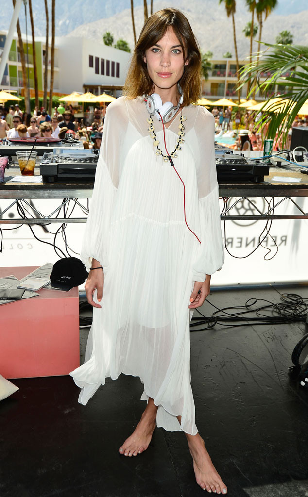 rs_634x1024-150413105849-634-alexa-chung-stars-at-coachella.jw.41315.jpg