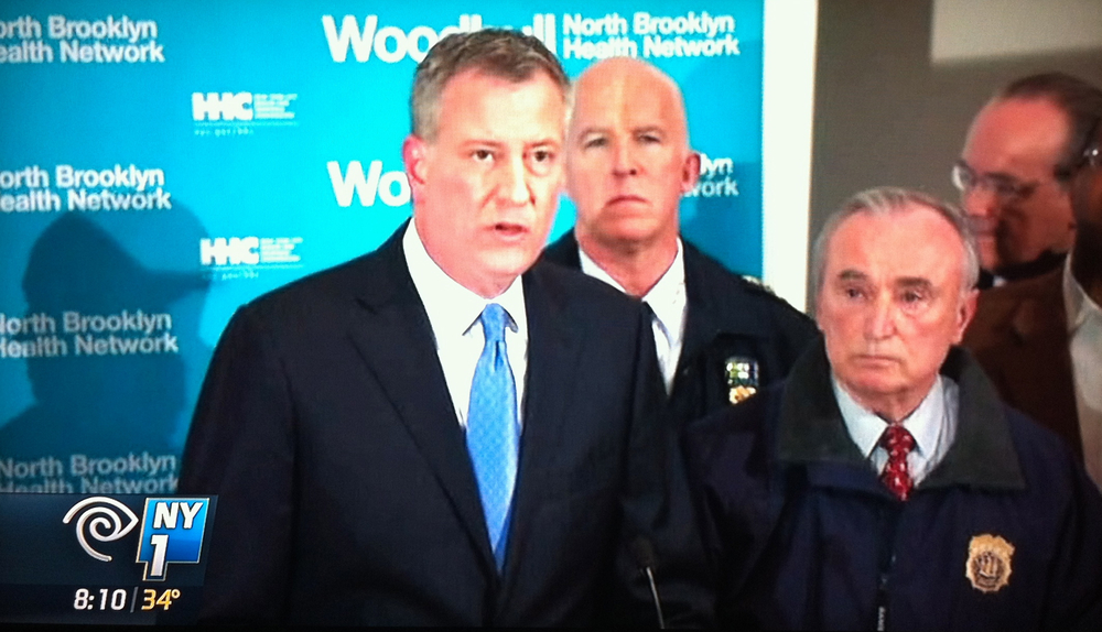 Mayor Bill de Blasio and NYPD Commissioner William Bratton at the press conference at Woodhull Hospital.  Source :  NY1 Screen Shot