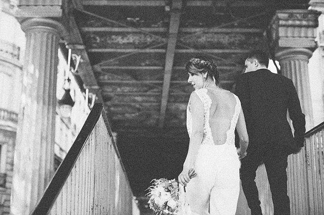 """// PUBLICATION // Vous connaissez le duo de choc du blog """"dans les baskets de la mariée"""", derrière se cache Marie et Linda, deux nanas pleines de fraicheur. Un blog à leur image. Allez découvrir le super article mettant en avant le mariage civil, urbain et moderne de nos mariés chouchous Franco-Brésiliens ! Merci les filles! . . . Photography : Saya for Studio Ohlala Make up artist : Stephane for Studio Ohlala  Hair Stylist : Cyril for Studi Ohlala Floral Designer and wedding designer : Marie for Studio Ohlala Wedding Blog : @danslesbasketsdelamariee #danslesbasketsdelamariee #paris #parisianwedding #wedding #beauty #fashion #girls #model #makeupartist #weddingmakeupartist #mua #makeup #weddinghairstylist #fashionhairstylist #fashionmakeupartist #makeupartistparis #hairstylistparis #weddingcollectiveparis #bride #bridehair #bridemakeup #luxury #luxurywedding #luxuryweddingparis #blackandwhite #bridaldress"""