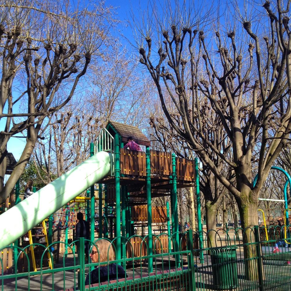 Image gallery jardin du luxembourg playground for Jardin of luxembourg