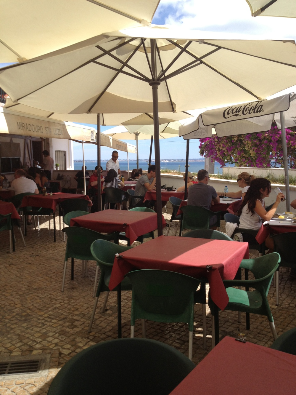 Perfect place for lunch at the Miradouro Santa Luzia