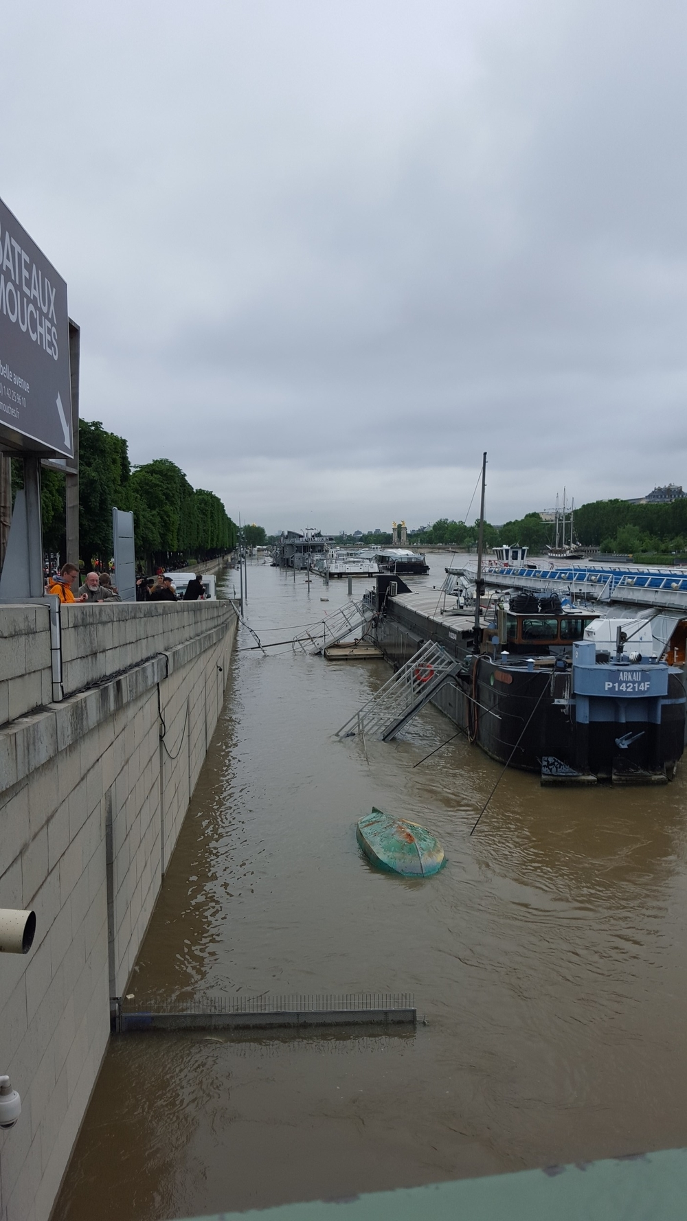 The walkway down to the quai of the Seine, flooded