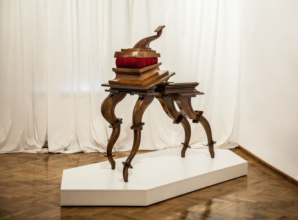 SUPERBIA (2010) WILD CHERRY WOOD/VELVET/BRONZE 275X120x170CM