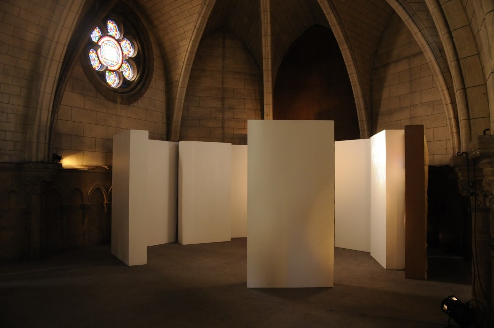COULOIR SONORE/PAYSAGE SONORE EDINBOURG, PLAYED IN A 10M CORRIDOR MADE FROM PANNELS  1,2M X 2,4M, GLASS WOOL, WOOD, CARDBOARD, VARIOUS DIMENSIONS