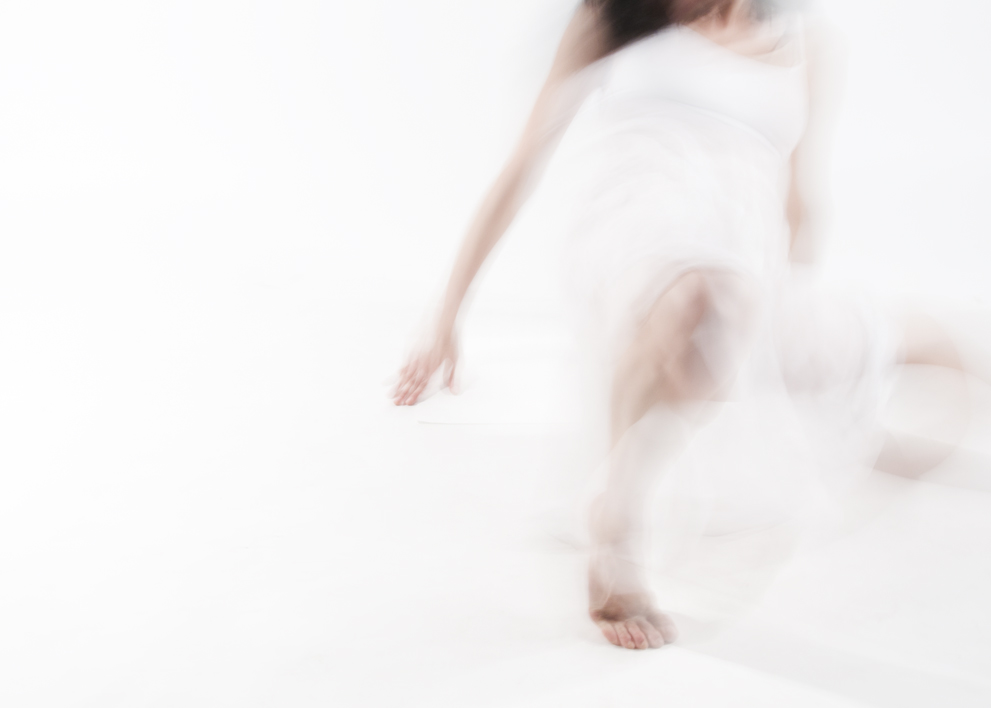 INTROSPECTION/ DANSE POUR S'OUBLIER (2013) PHOTOGRAPHY 50X70 CM