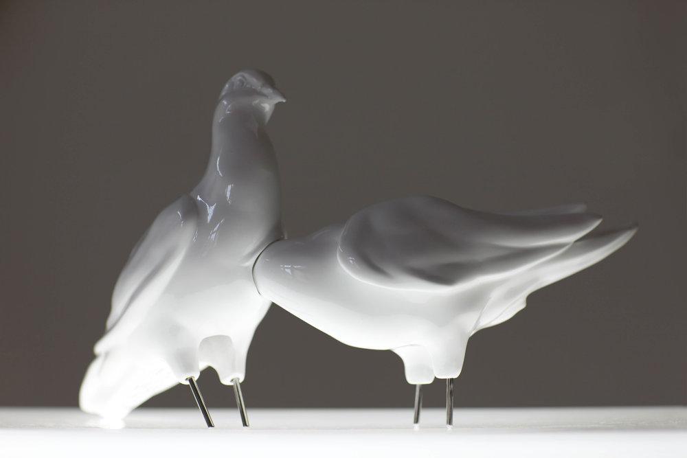 INNER SONG [1] (2010 – 2014) ceramics, inox, aluminum, wood, metal, neon light, glass, 110 x 110 x 127 cm