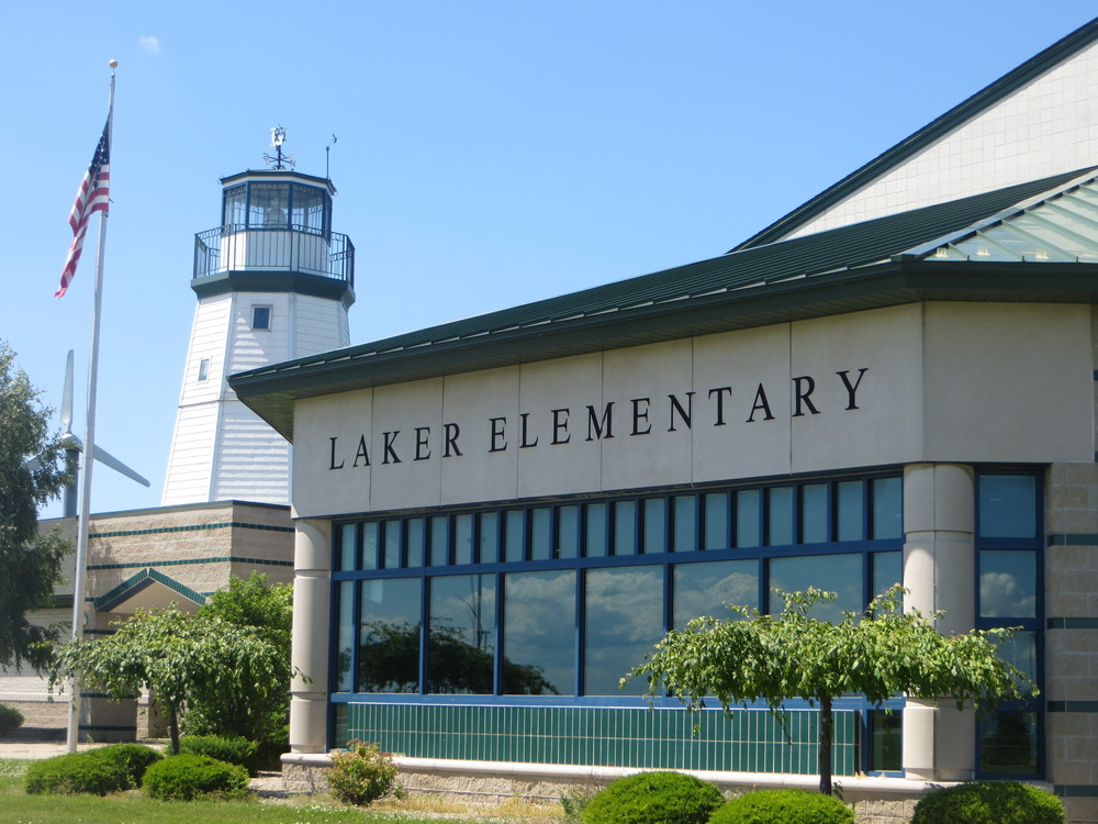 Elementary Outside Picture.JPG