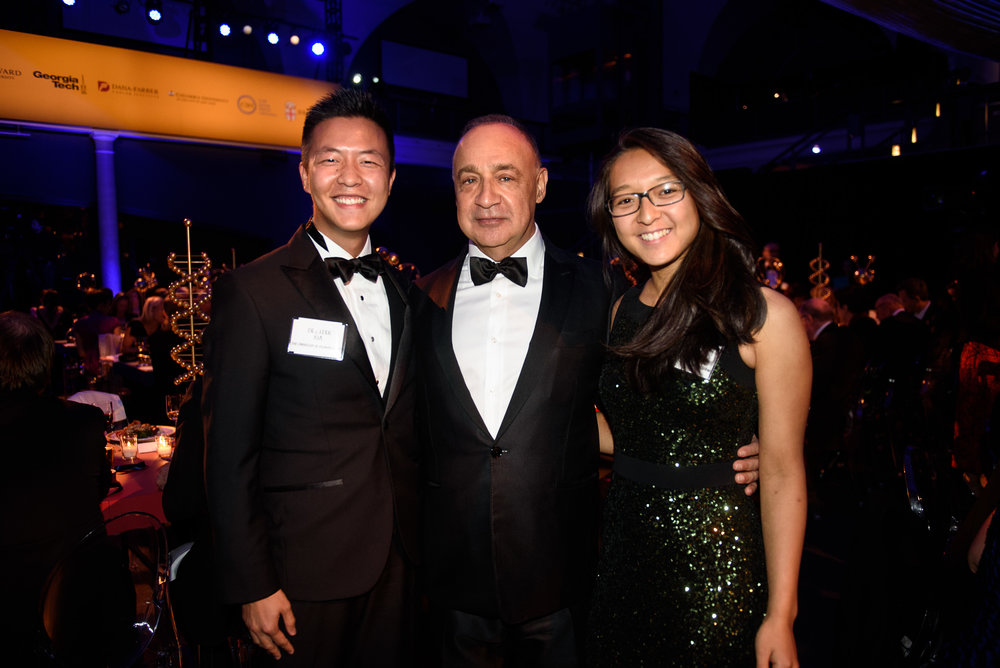 2018 Blavatnik Family Fellows Cedric Xia and Linda Zhou   with philanthropist Len Blavatnik