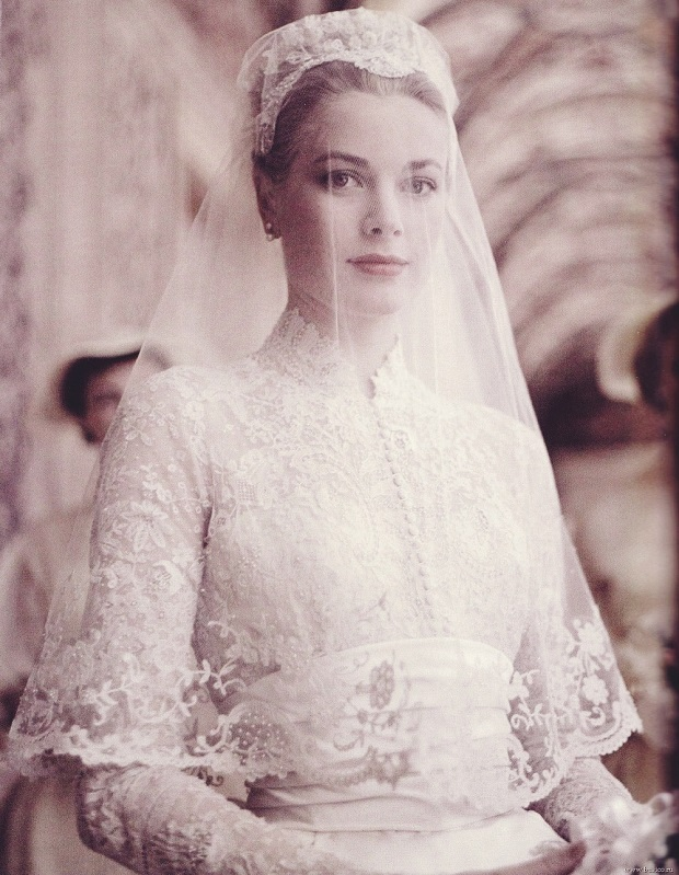 grace-kelly-wedding-dress.jpg