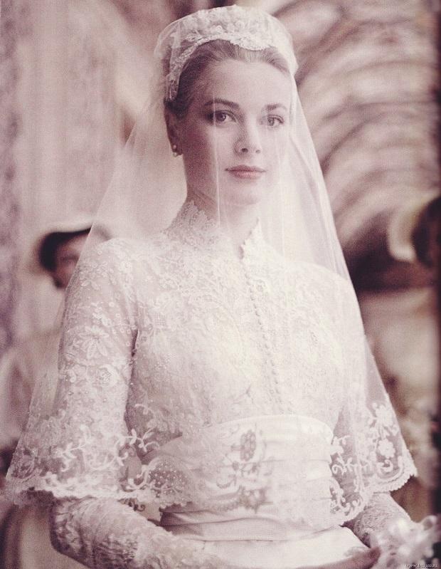 grace-kelly-wedding-dress.jpg