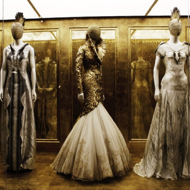 alexander-mcqueen-savage-beauty-exhibition.jpg